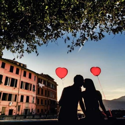 Amazing engagement photos in Cinque Terre